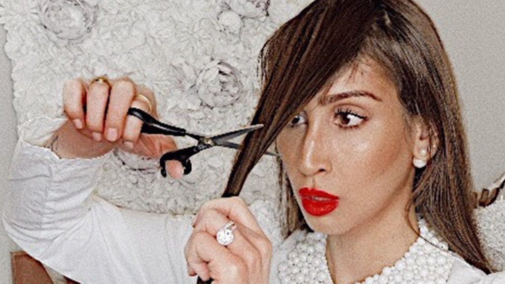 STOP!!! DO NOT CUT YOUR BANGS UNTIL YOU WATCH THIS VIDEO!